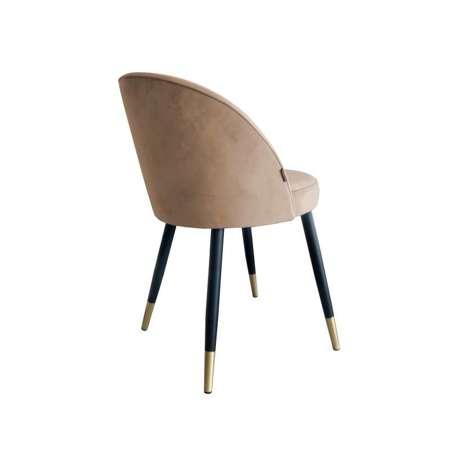 Jasnobrązowe tapicerowane krzesło CENTAUR materiał MG-06 ze złotą nóżką